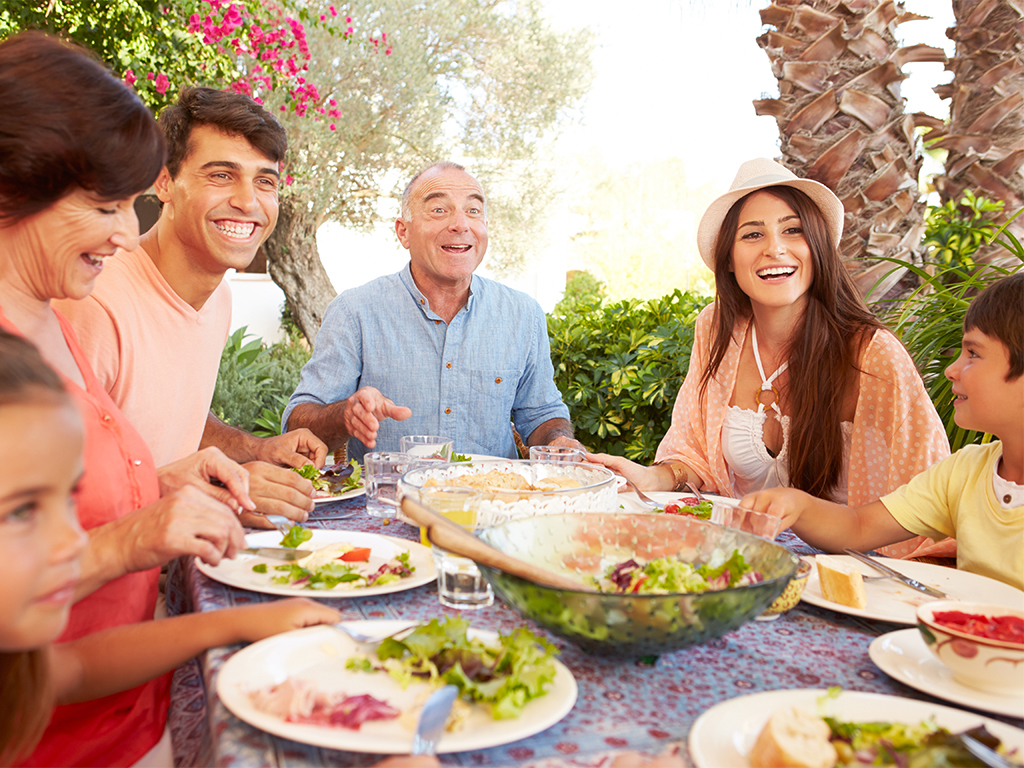 How To Enjoy Your Time At A Buffet With Your Family