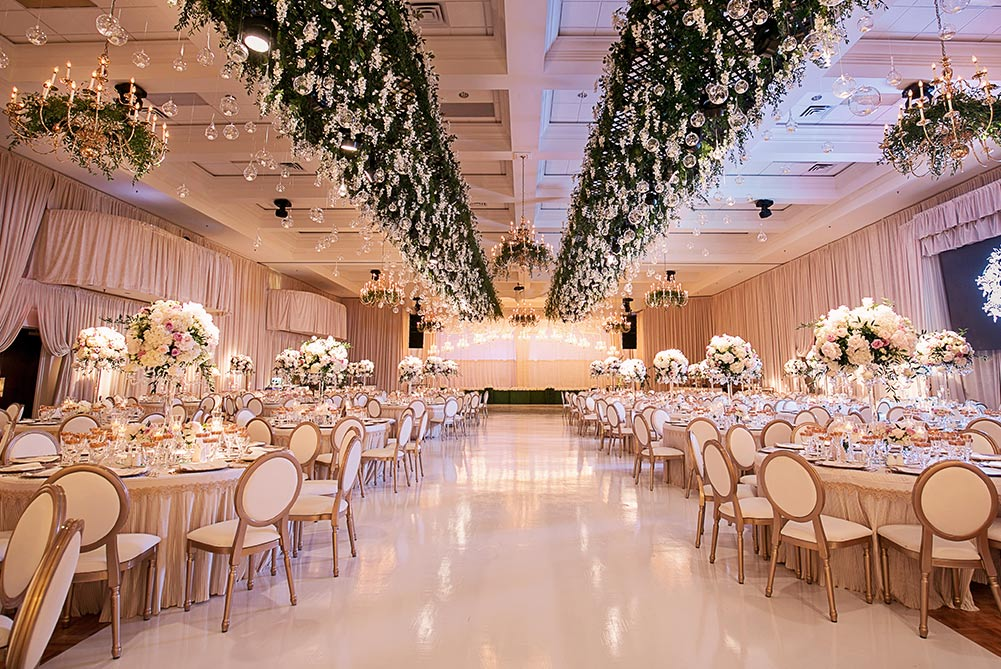 4 Essential Tips For Booking A Banquet Hall